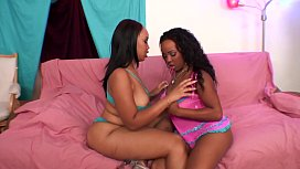 Black stud gets his dick sucked by two horny black chicks Joei Deluxxx and Stacie Lane