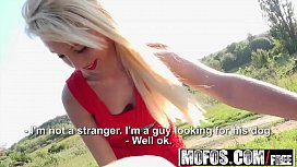 Mofos - Stranded Teens - French...