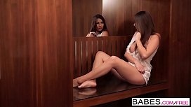 Babes - FINGER PLAY - Connie...