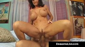 Texas Cougar Deauxma Squirts...