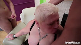 Fat MILF getting fucked...