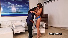 Tranny fucked with cop...