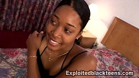 Black Girl gets freaky in Her 1st Amateur Teen Video
