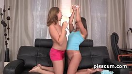 Lesbians Nataly and Diana Dali mouth peeing