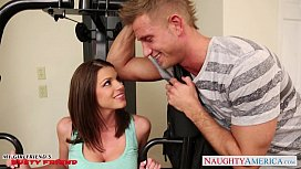 Brunette Brooklyn Chase gets...