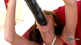 amateur milf hottie getting a hard dong