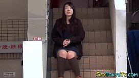 Japanese babes flashing...