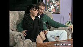 Ugly mature slut sucks...