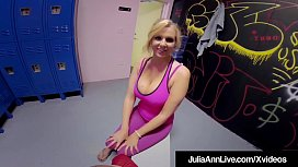 Hot Mommy Julia Ann...