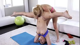 Yoga Girls 4 Addicted...