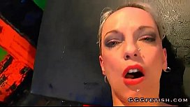 Two babes gives blowjobs on the same huge cock