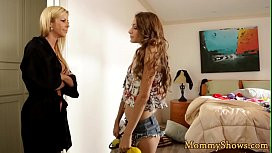 Highheeled stepmom pussylicked by horny teen