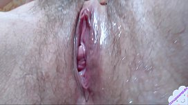 Girl with hairy cunt tease her pussy with pink vibrator close up --www.myclearsky.live/myclearsky
