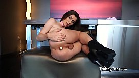Tranny toying solo her...