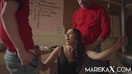 MARISKAX Special delivery for Indian MILF Sahara Knite