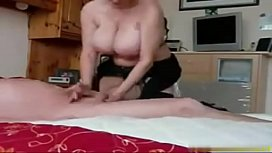 Nerdy Wife Give Amateur Blowjob