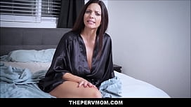 Cute Young Petite Stepdaughter Jessica Rex Shares Orgasms With Big Tits MILF Stepmom Mindi Mink