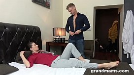 Mom loves blowjob and...