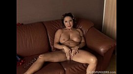 Gorgeous granny with nice big tits fucks her juicy pussy for you