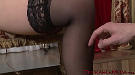 MILF gives a sloppy blowjob before having her pussy rammed