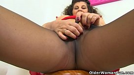 English milf Gilly fingers...