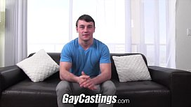GayCastings Muscular athlete shows...