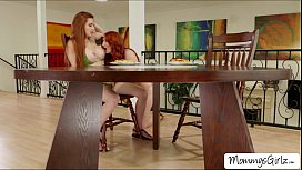 Slutty redhead women Kendra and Veronica really loves pussy licking