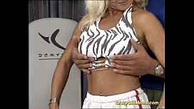 Muscle mom loves hot...