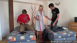 Old cleaning woman gets her pussy filled
