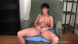 MILF Kassandra Working Her...