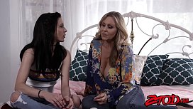 Loving stepmom Julia Ann...