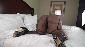 Mrs Deluxxxe teasing with her 57 inch ass and pussy