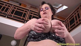 Horny mom shows her...