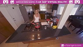 VRBangers Sexy Austrlian Housewife...