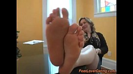 Doable granny shows her smooth feet and soles
