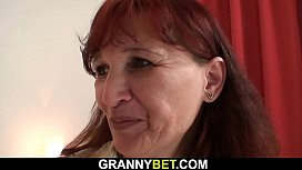 Picked up granny gets her hairy old pussy fucked
