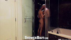 ShowerBait - Str8 guy gets...