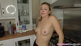 Busty all natural babes cleaning the house with downblouse