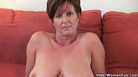 British milf Joy exposing...