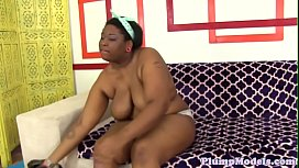 Pretty ebony BBW screwed...