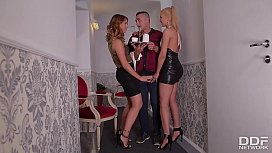 After Party blowjob Threesome...