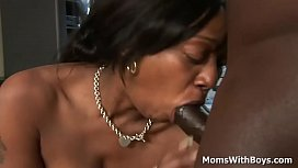 Ebony milf Ms Cleo...