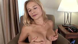 Gorgeous Amateur Housewife