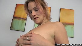 American milf Joclyn takes care of her needy pussy