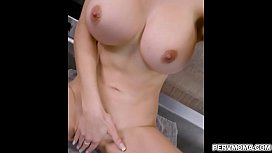 Pervmom Lexi comes by and gives stepson an incentive!