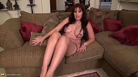 xhamster.com 6902237 sexy mature mom with nice tits and hot body 720p