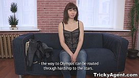 Tricky Agent - Hiding xvideos...