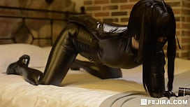 [fejira com] Leather girl play with anal puppy tail