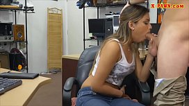 Amateur woman pounded by pawn keeper
