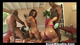 Oiled ebony fucking threesome...